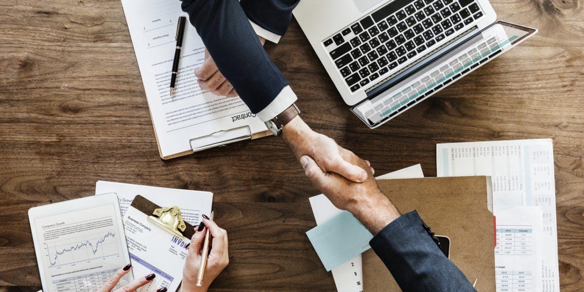 Umowa o pracę – co powinna zawierać?